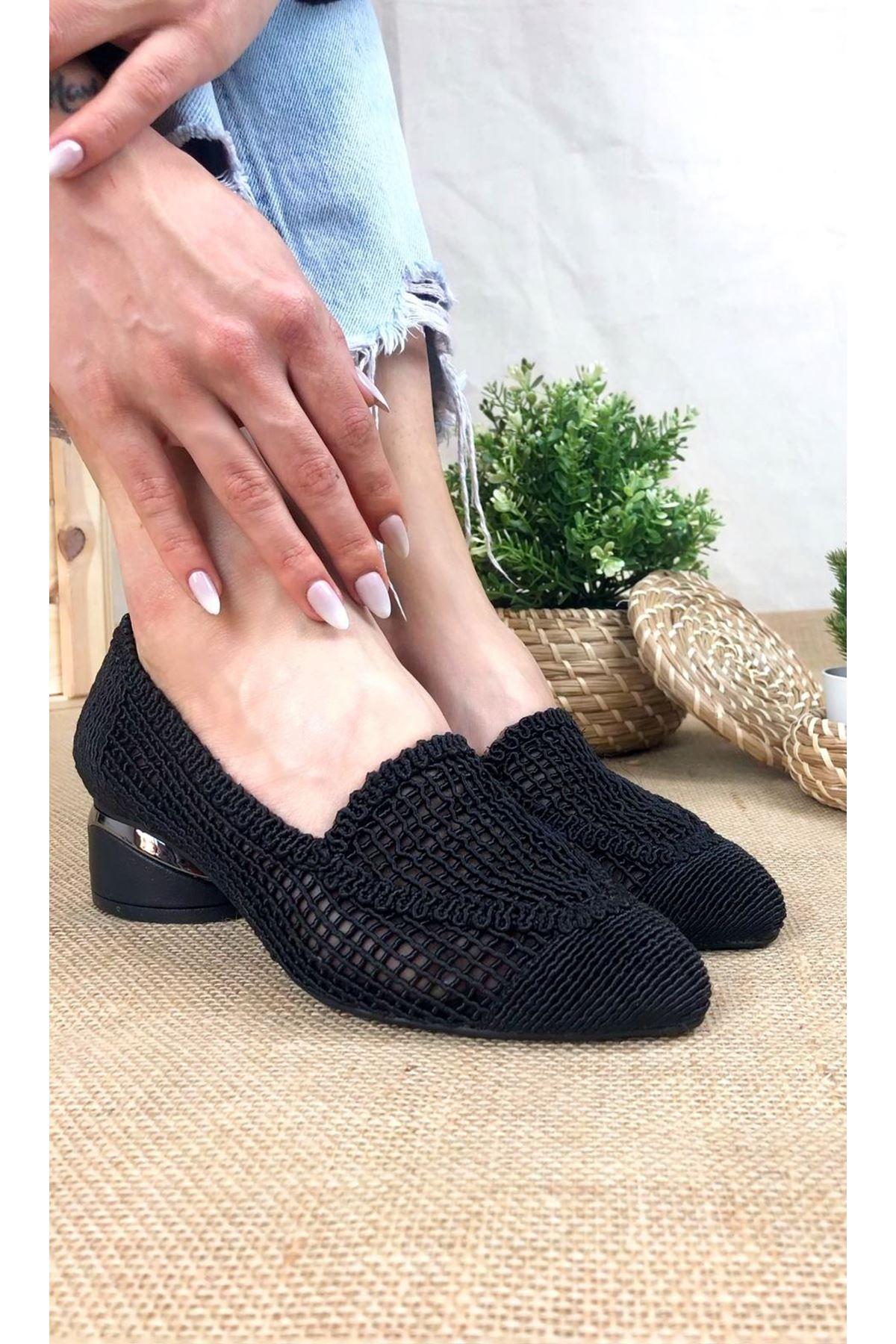Meli Siyah Dantel Kadın Günlük Ayakkabı