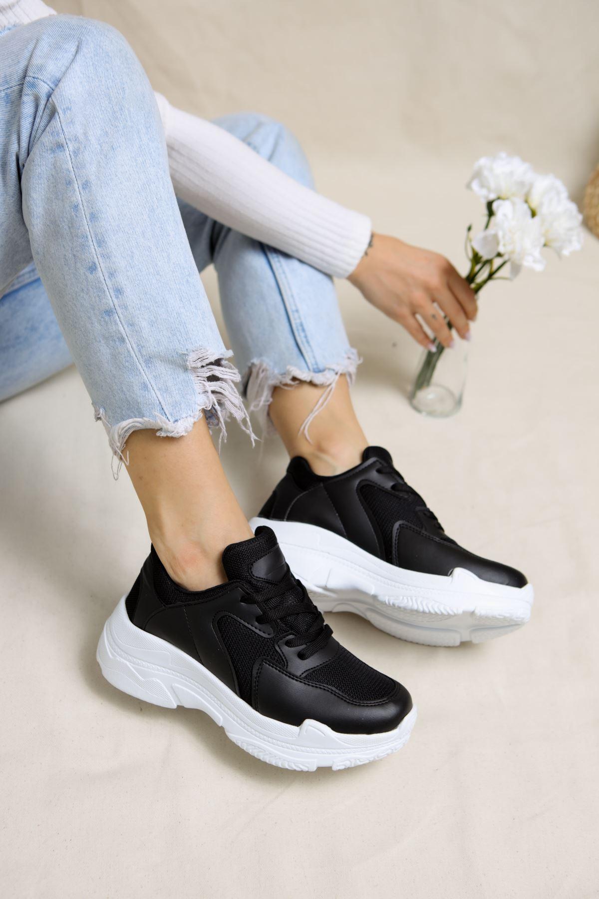 Loic Siyah Beyaz Tabanlı Kadın Spor Ayakkabı