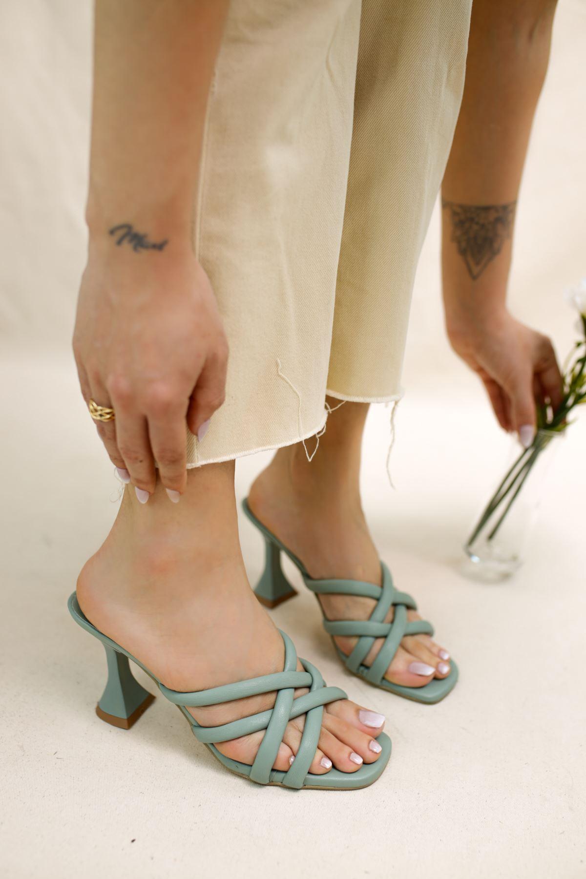 Orfeo Yeşil Mat Deri Kadın Topuklu Terlik