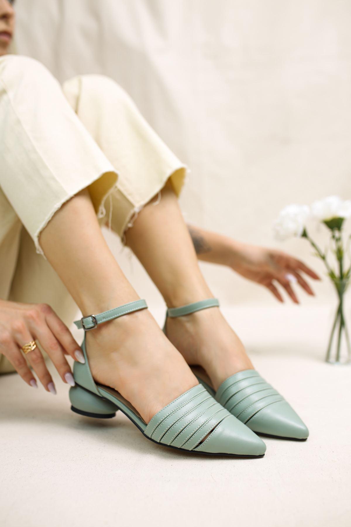 Sandra Yeşil Mat Deri Kadın Günlük Topuklu Ayakkabı