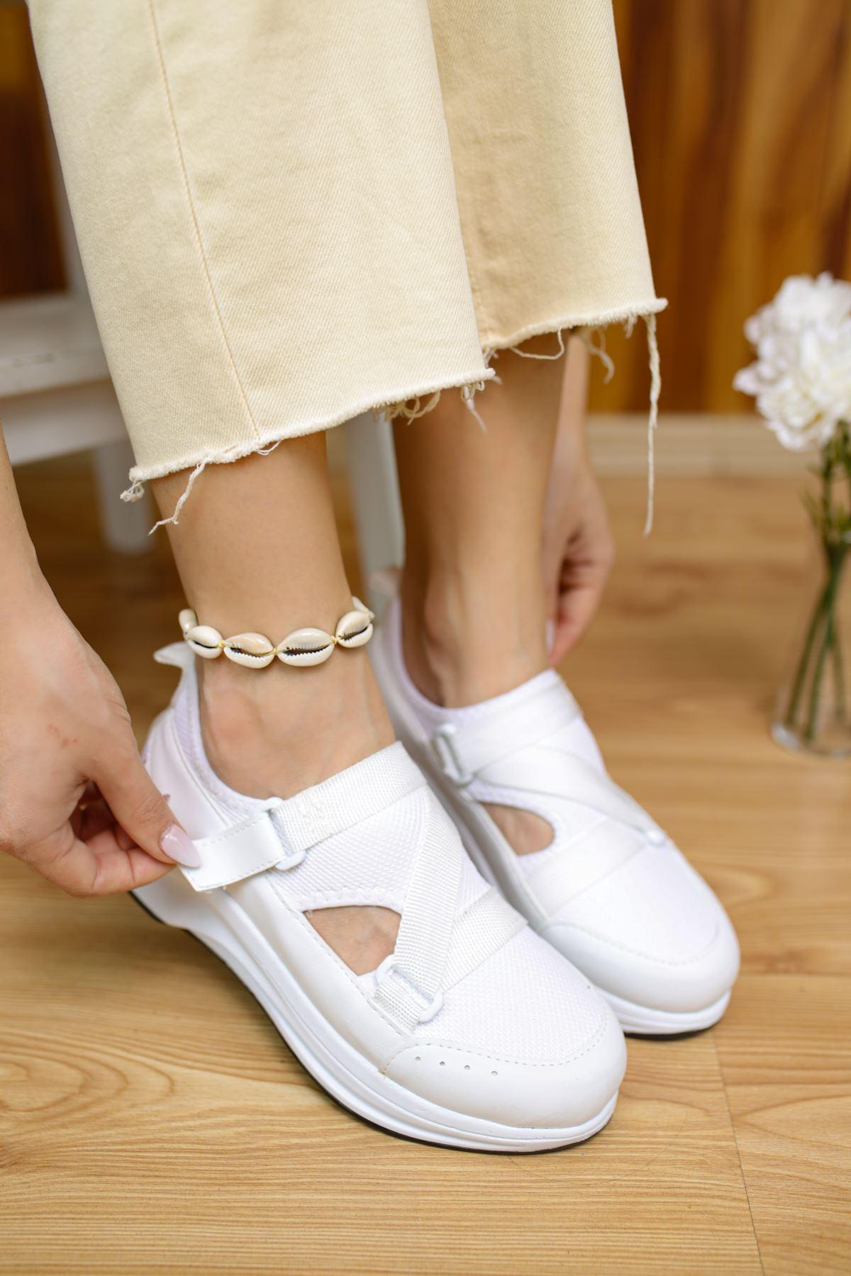 Tesra Beyaz Lastikli Kadın Spor Ayakkabı