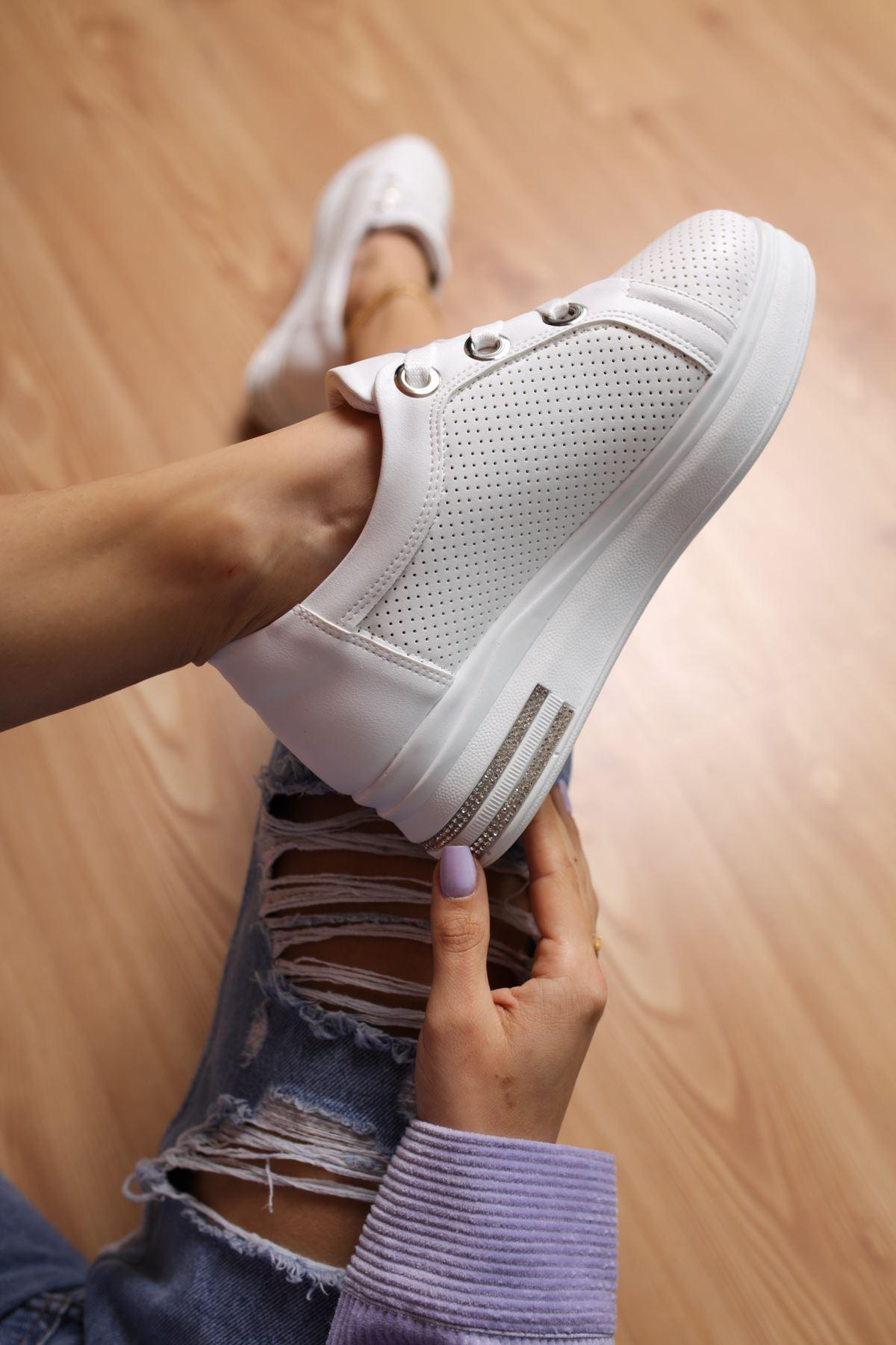 Head Beyaz Mat Deri Kadın Spor Ayakkabı