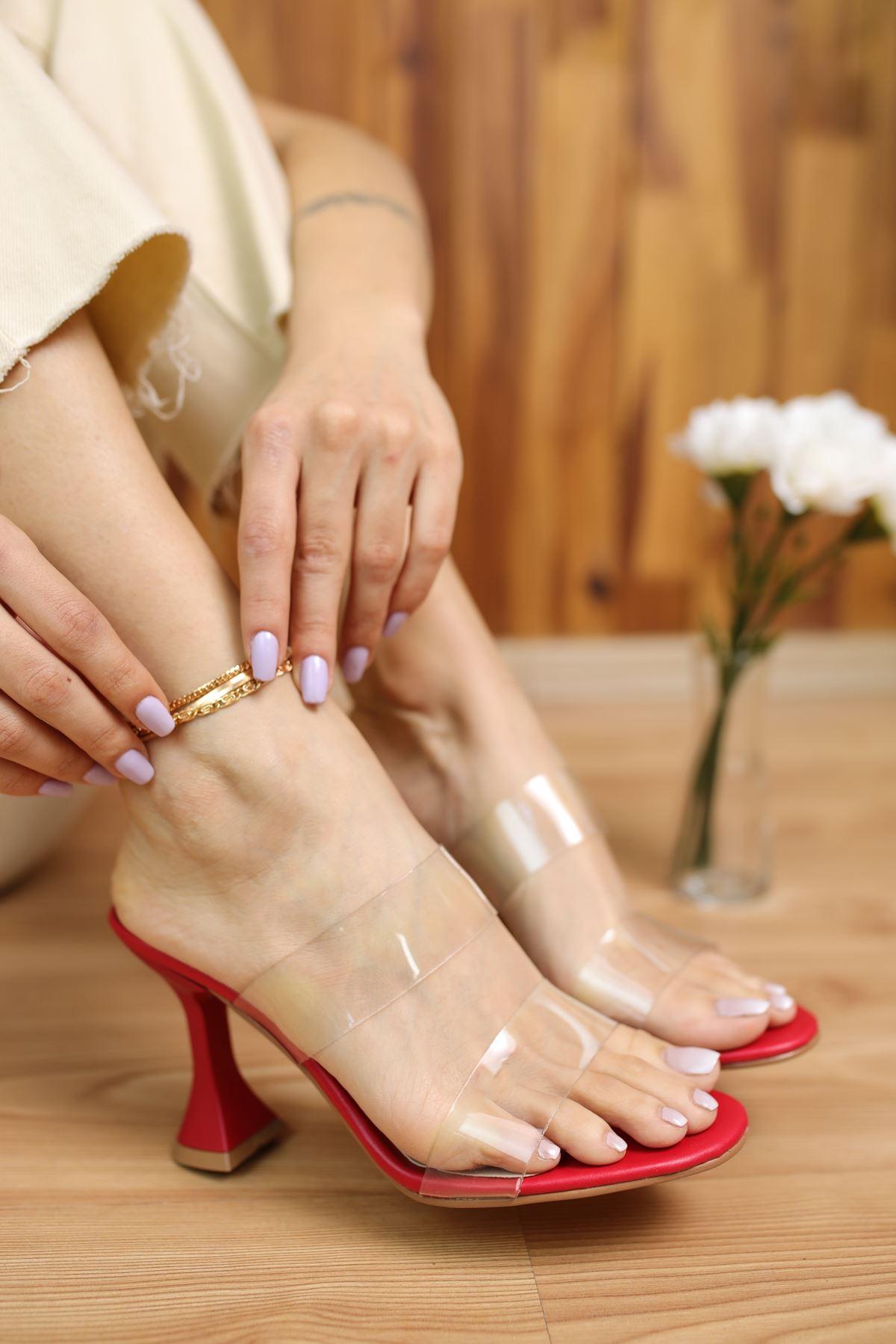 Faus Kırmızı Mat Deri Şeffaf Kadın Topuklu Ayakkabı
