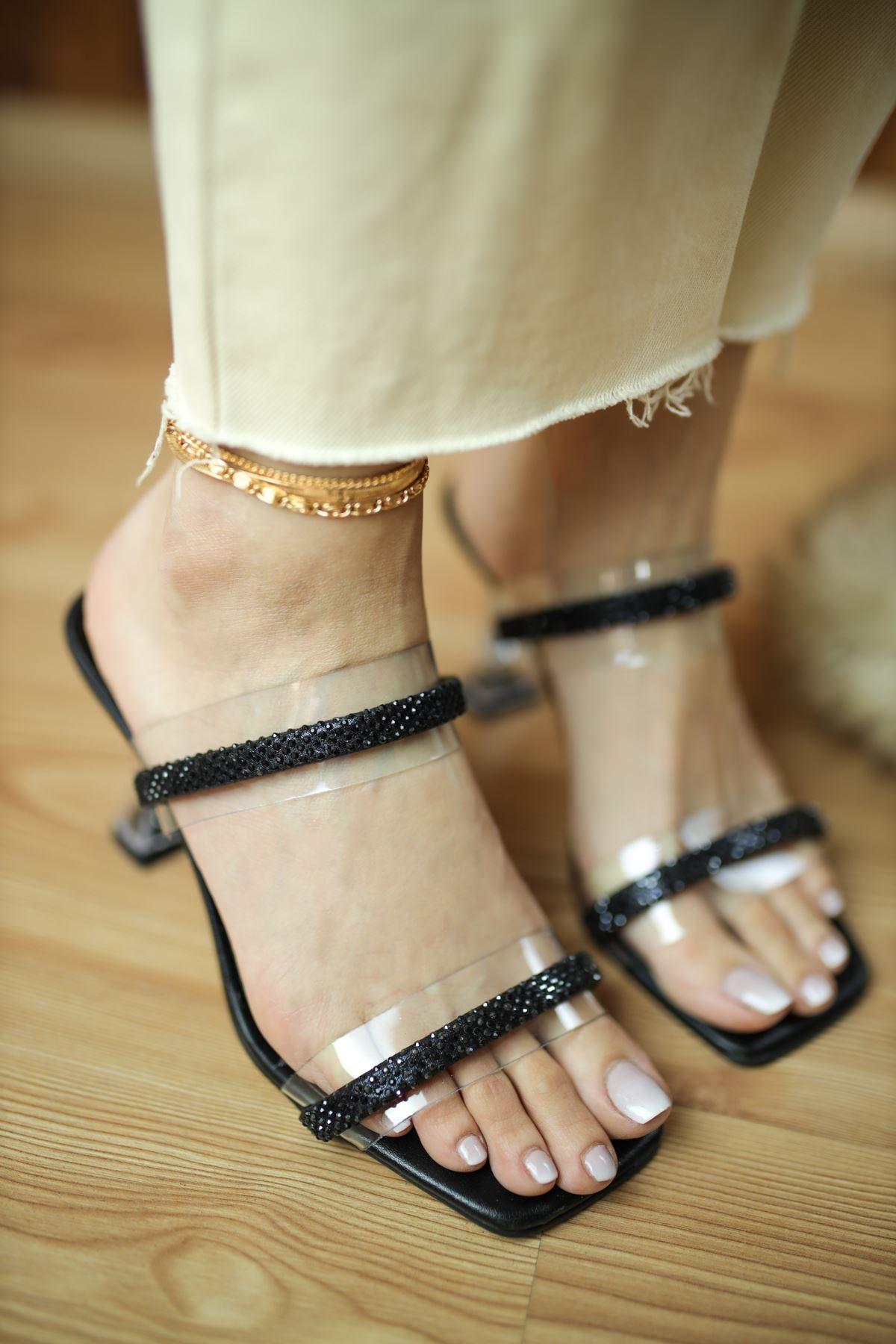 Martin Siyah Mat Deri Taşlı Şeffaf Kadın Topuklu Ayakkabı