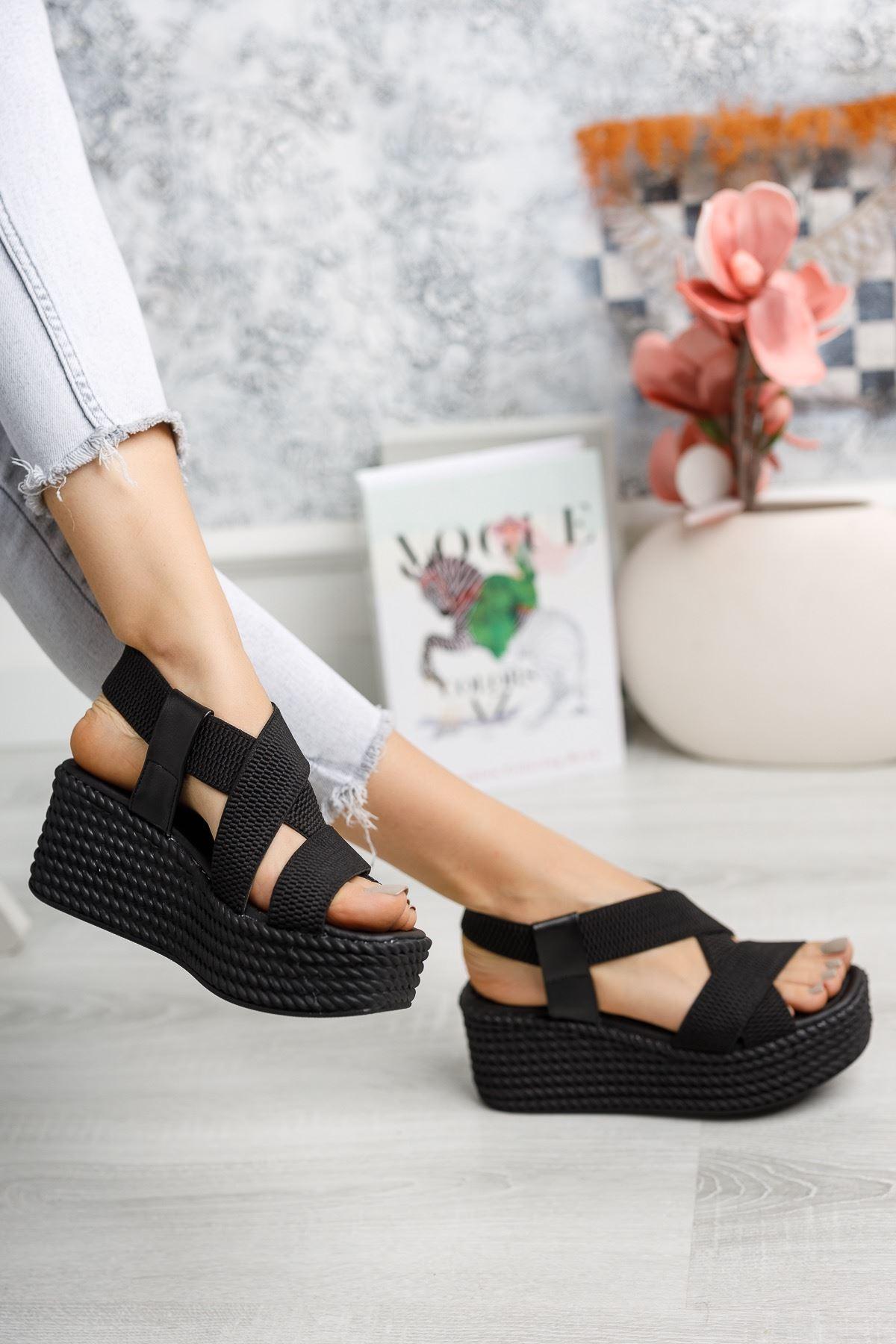 Allegra Siyah Dolgu Sandalet