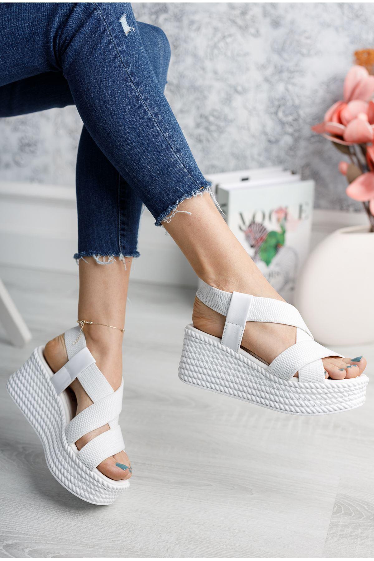 Allegra Beyaz Dolgu Sandalet
