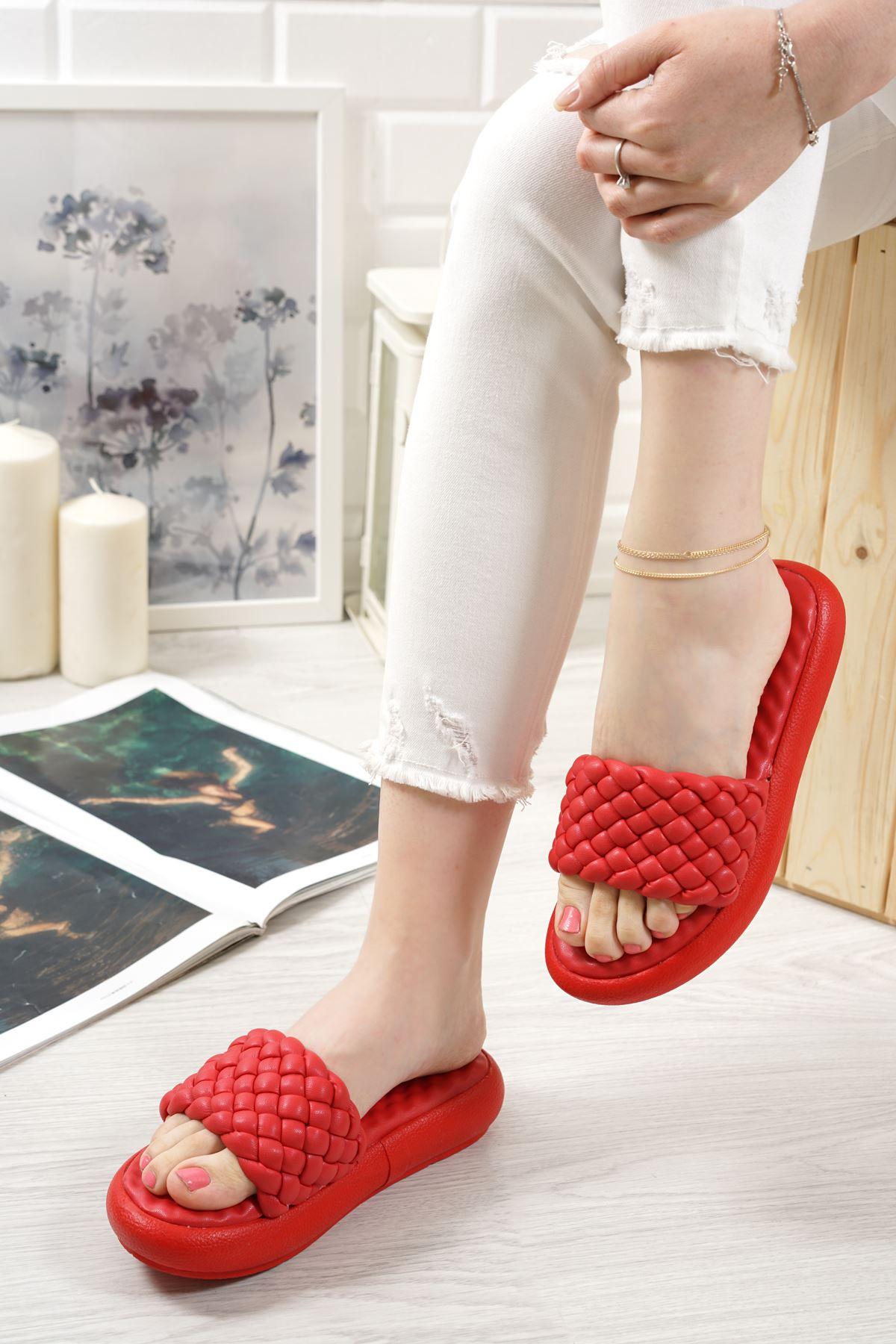 Bettino Kırmızı Mat Deri Kadın Terlik