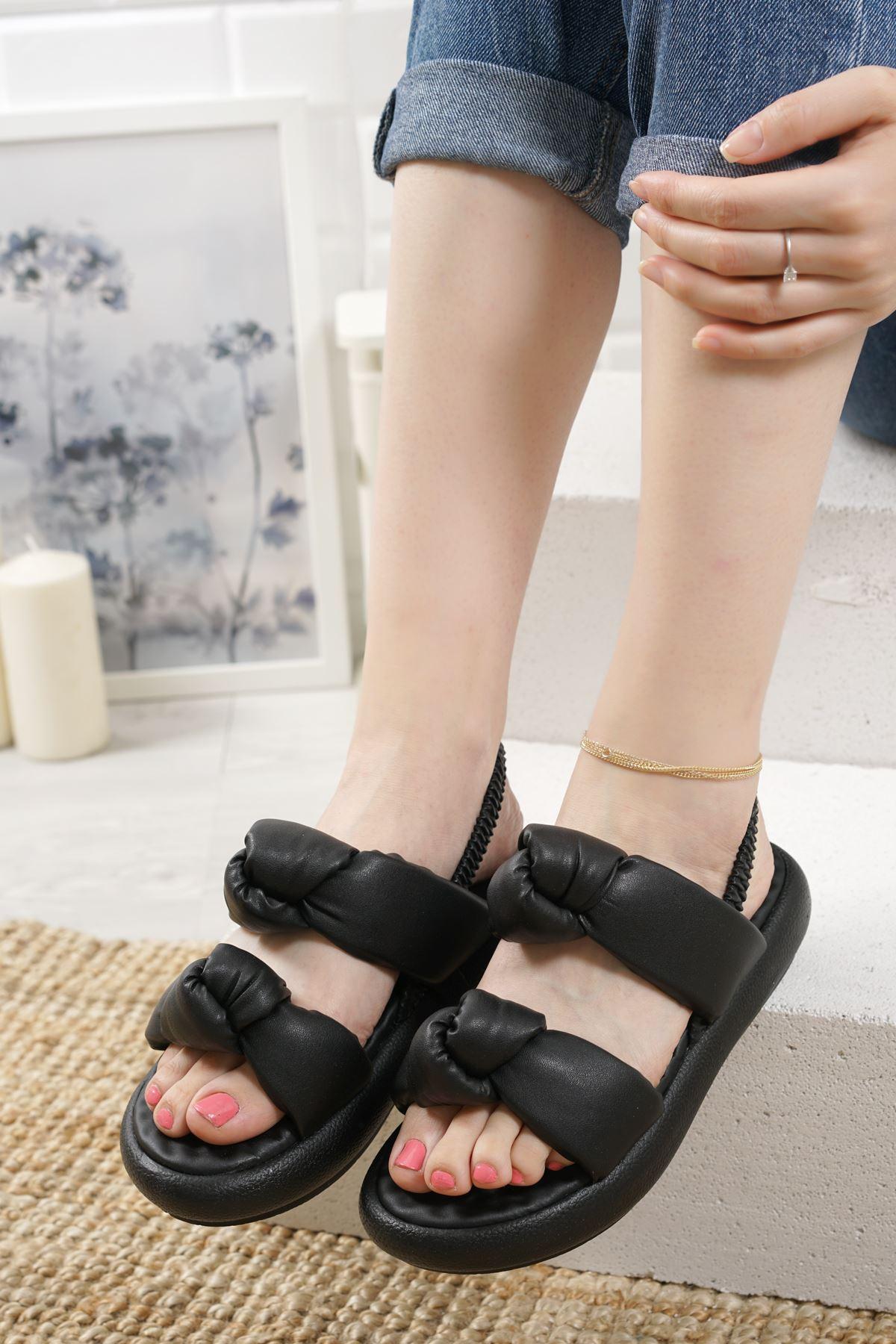 Lujina Siyah Mat Deri Kadın Sandalet
