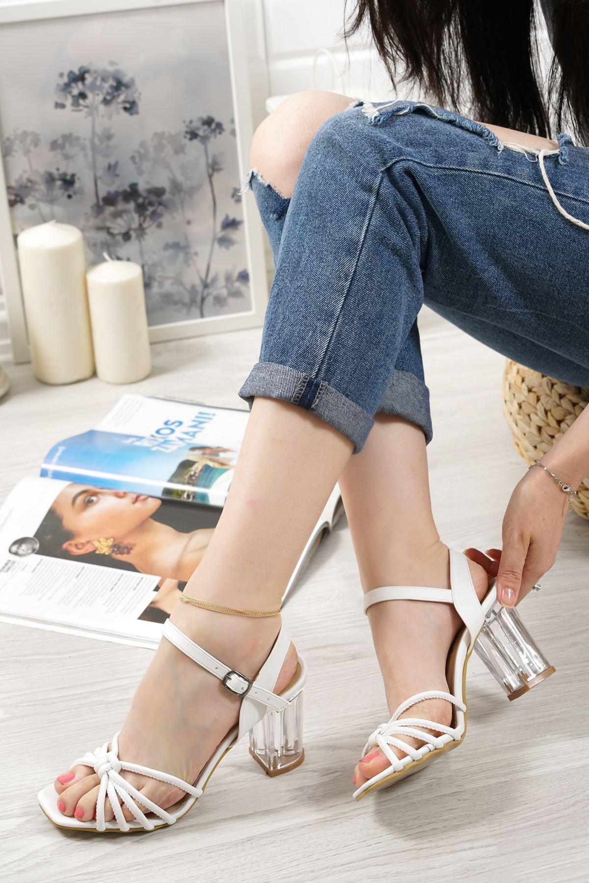 Nicole Beyaz Mat Deri Kadın Topuklu Ayakkabı
