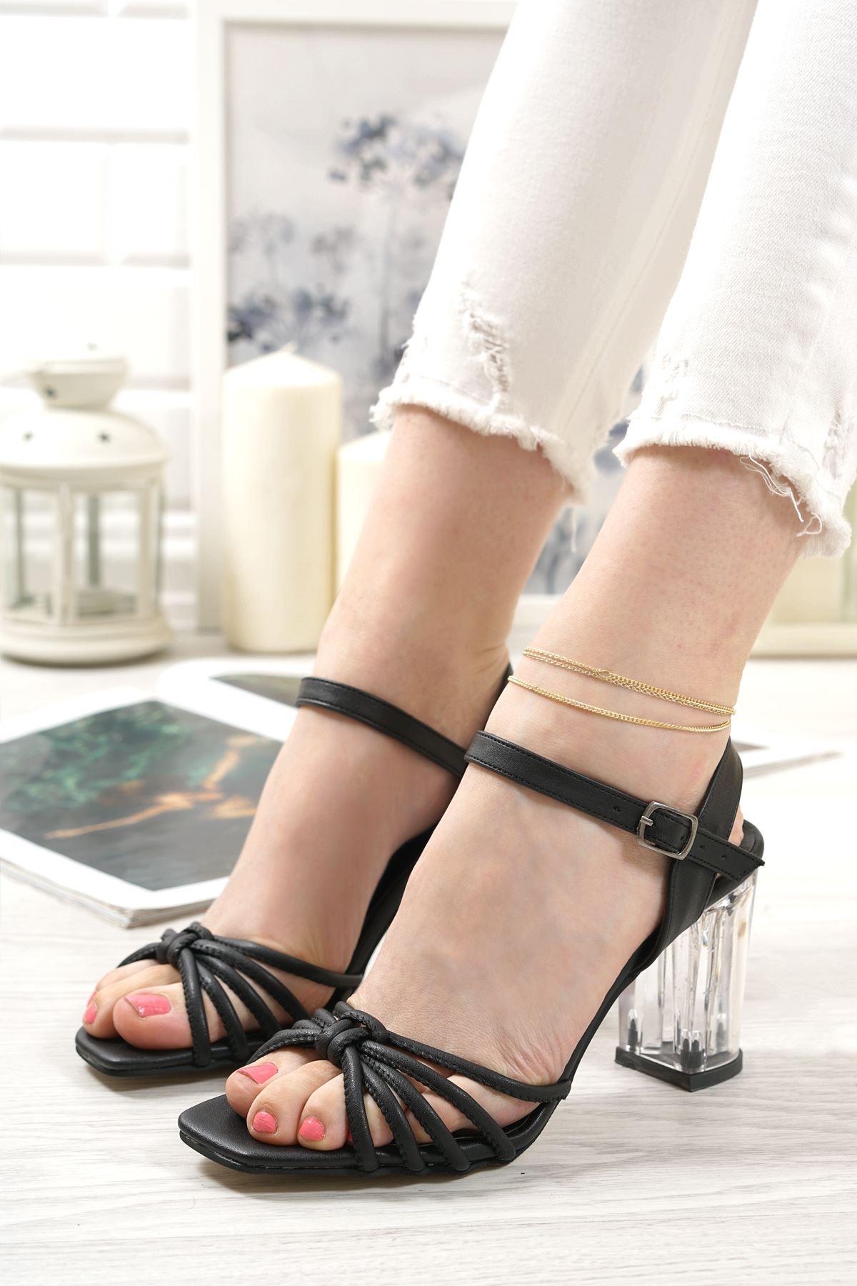 Nicole Siyah Mat Deri Kadın Topuklu Ayakkabı