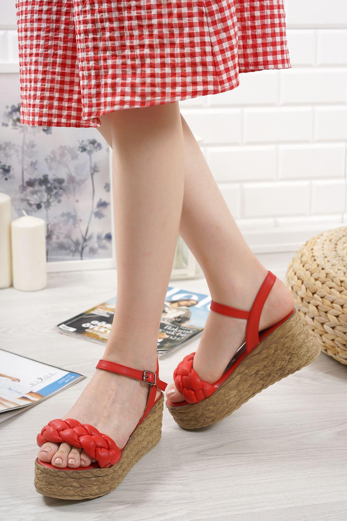 Carmela Kırmızı Mat Deri Kadın Dolgu Topuk Sandalet