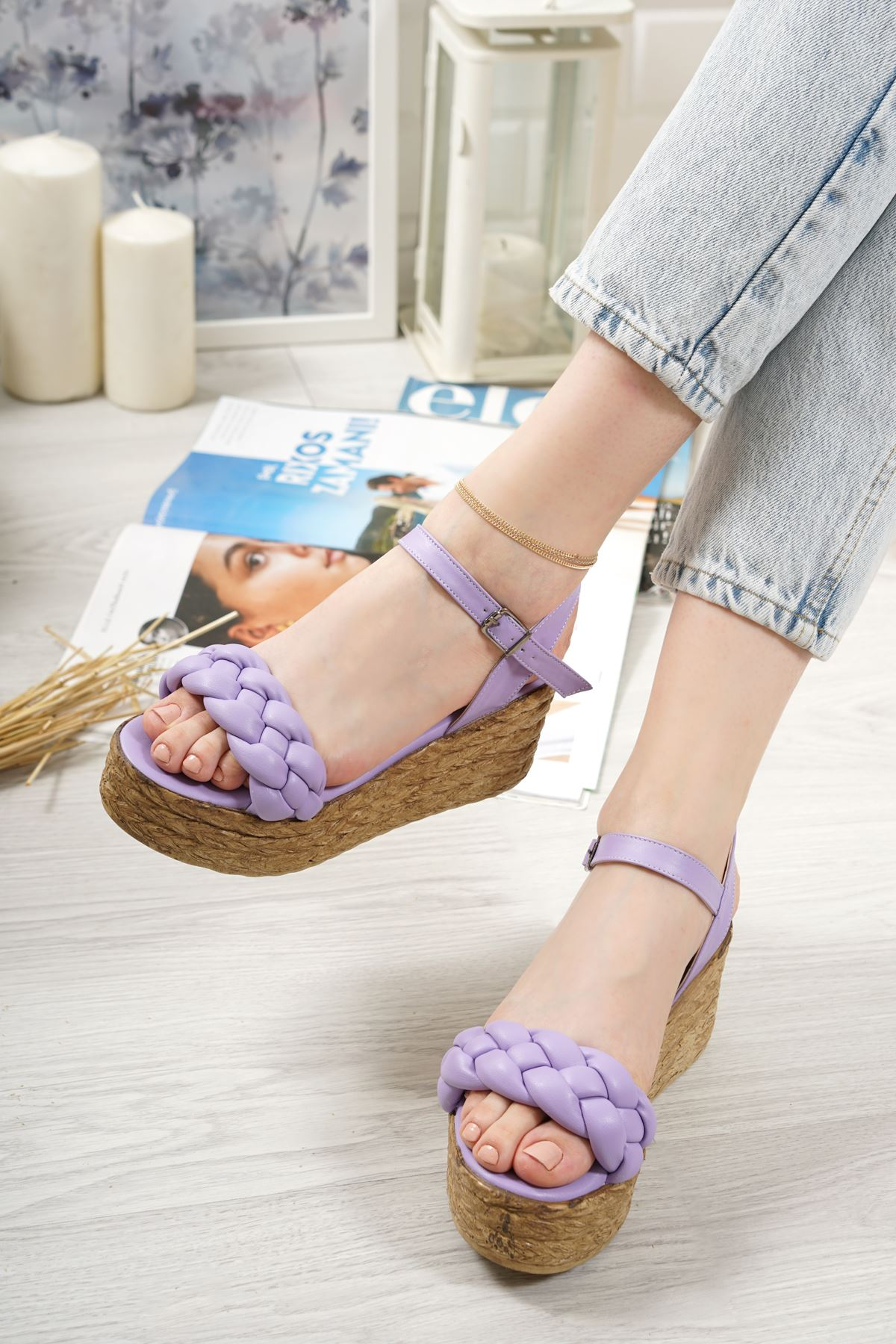Carmela Lila Mat Deri Kadın Dolgu Topuk Sandalet