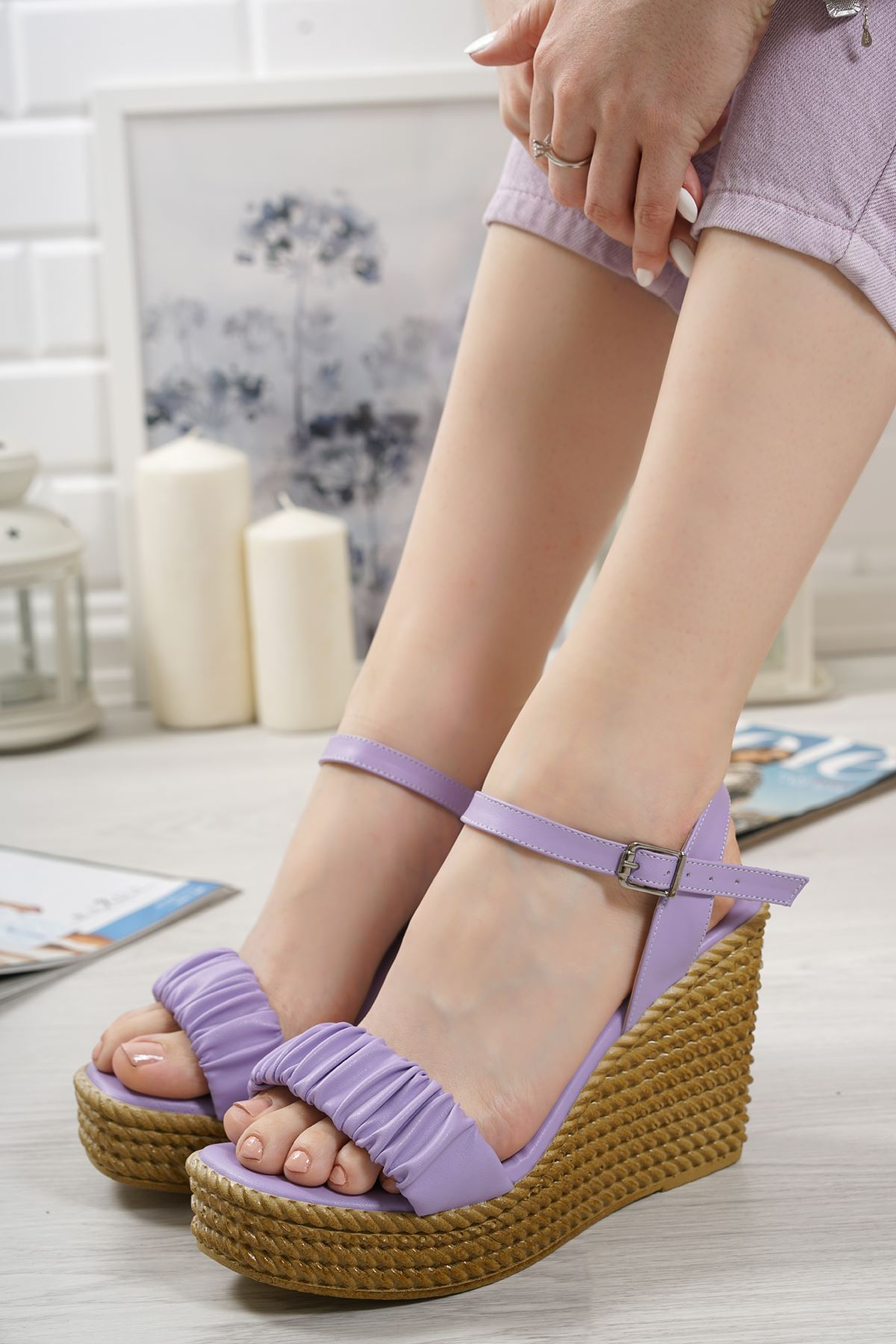 Sante Lila Mat Deri Kadın Dolgu Topuk Sandalet