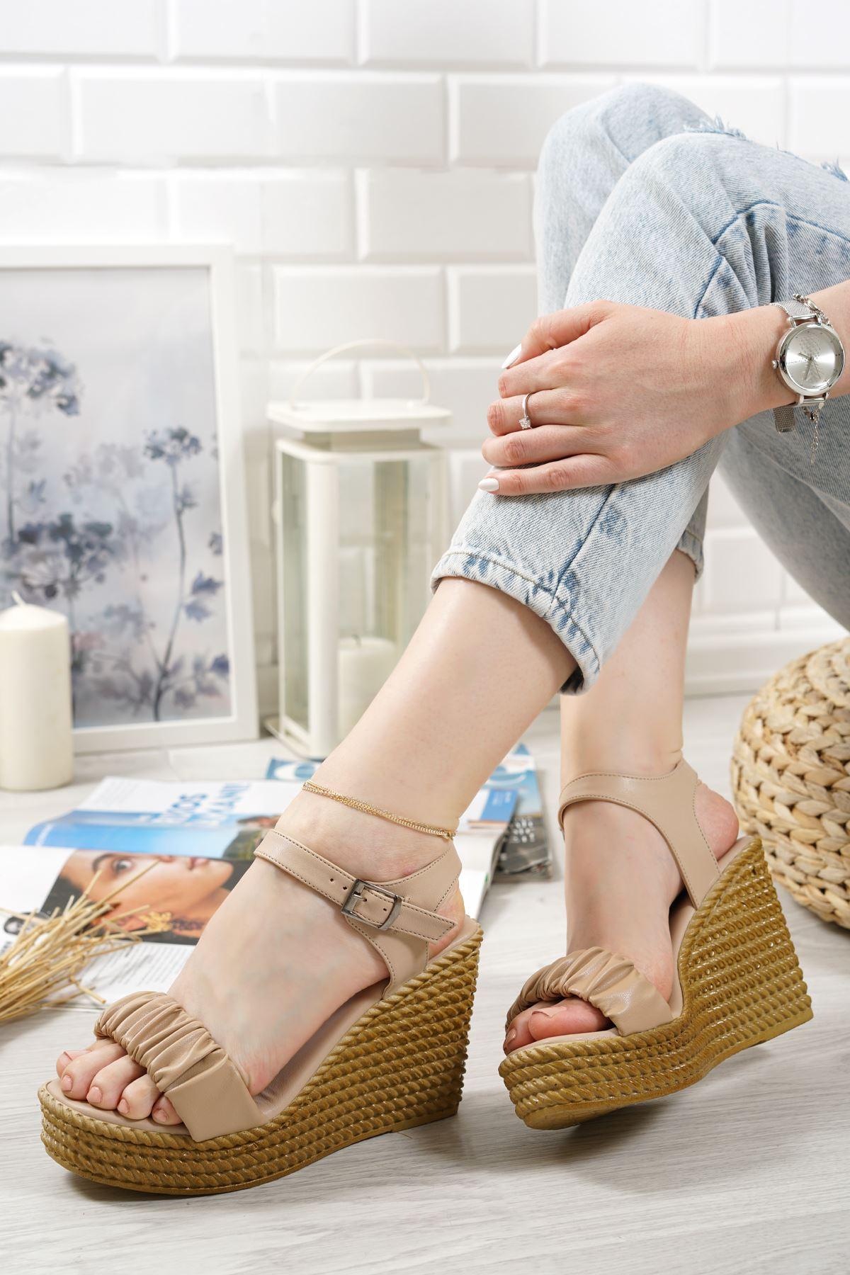 Sante Vizon Mat Deri Kadın Dolgu Topuk Sandalet