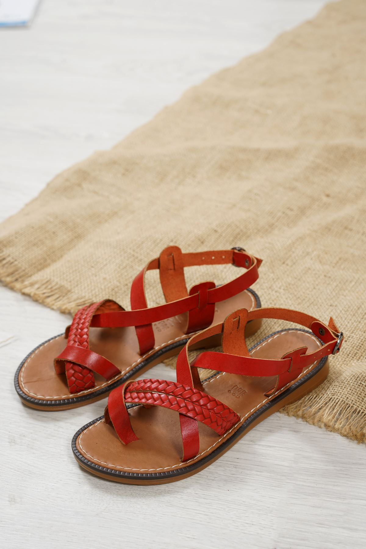 Magent Kırmızı Hakiki Deri Kadın Sandalet