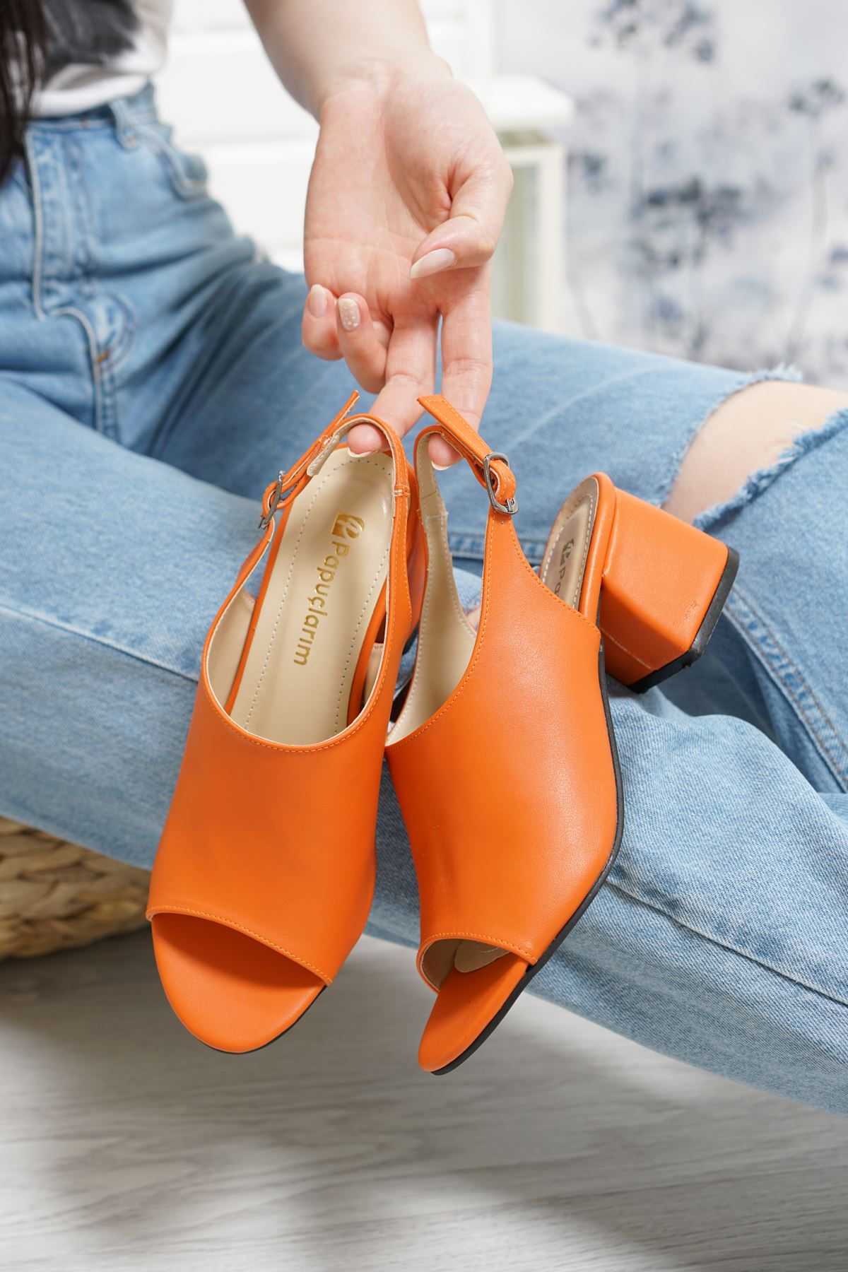 Afro Oranj Mat Deri Kadın Topuklu Ayakkabı