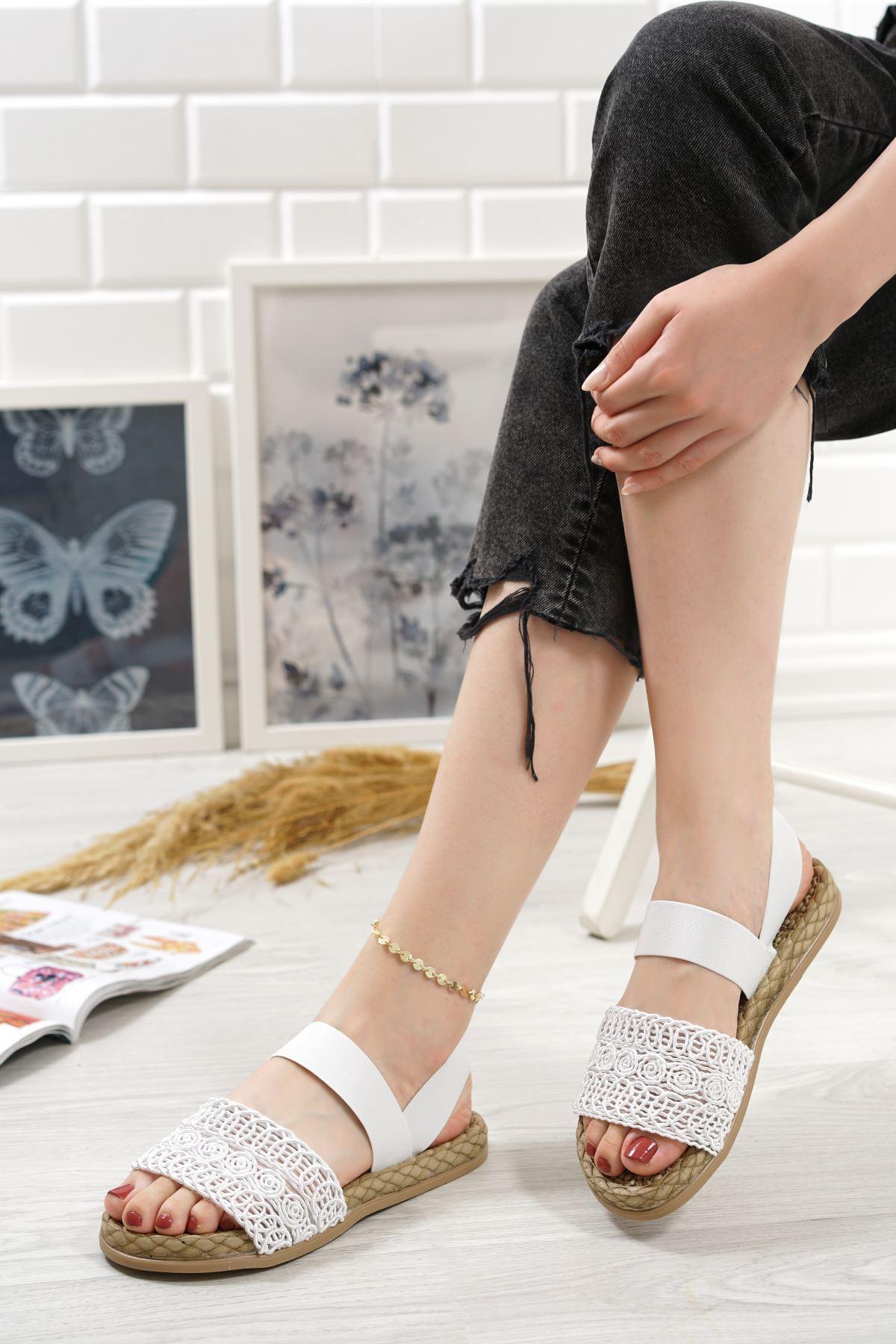 Carri Beyaz Dantel Lastikli Kadın Sandalet