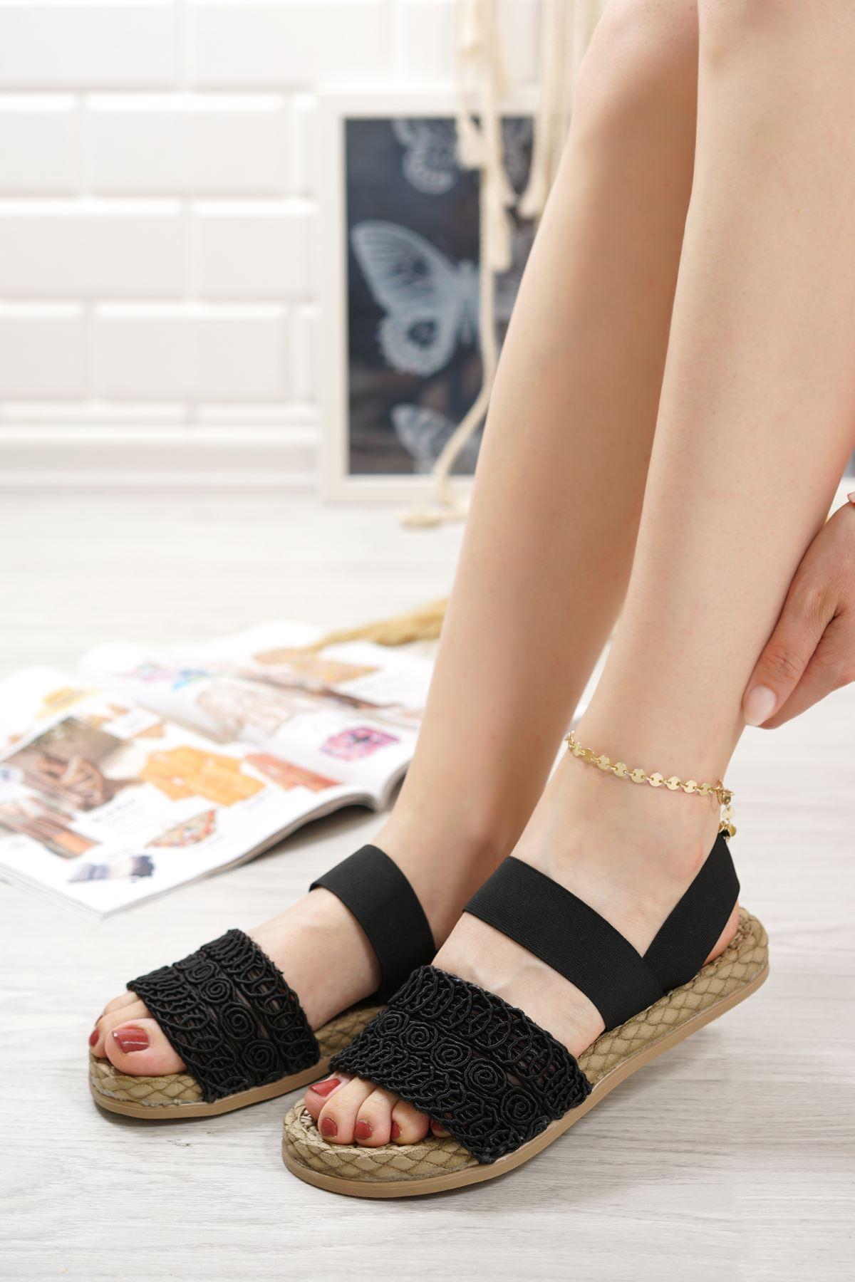 Carri Siyah Dantel Lastikli Kadın Sandalet