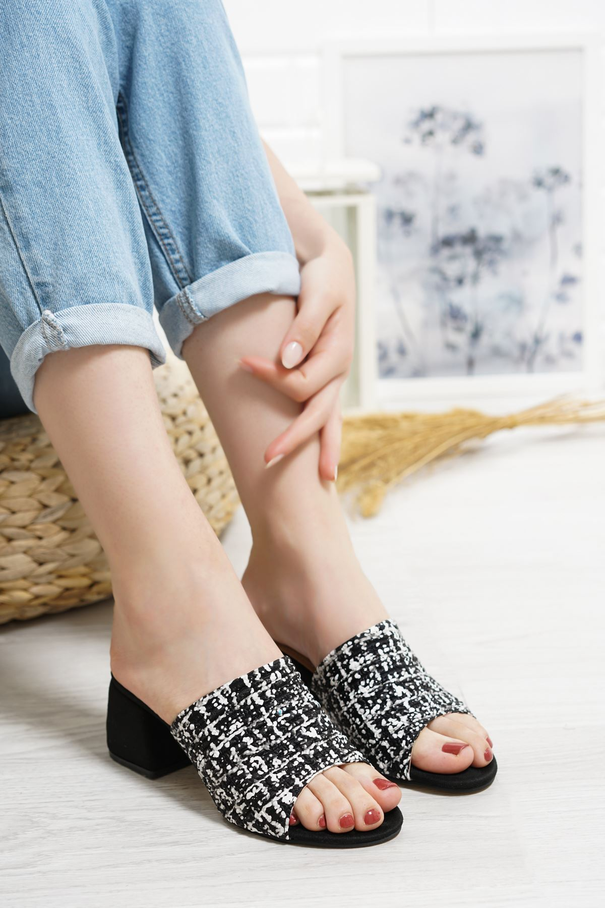 Romia Siyah Topuklu Kadın Terlik