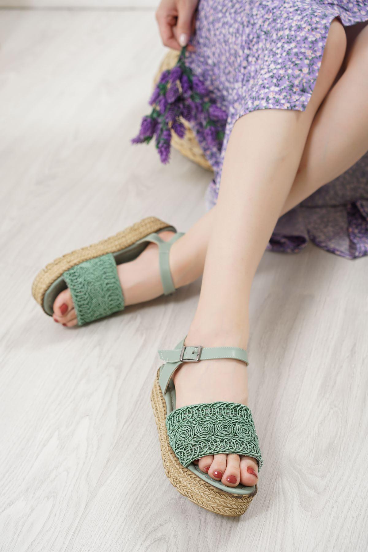 Nios Yeşil Dantel Kadın Sandalet